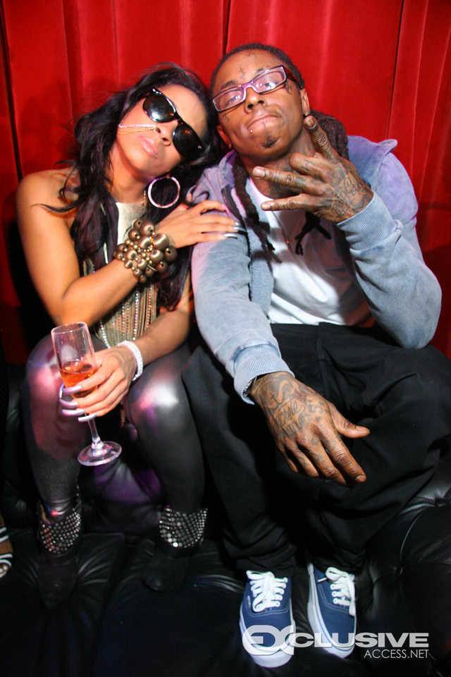 Well word on the streets, Lil Wayne is trying to get girlfriend Shanell